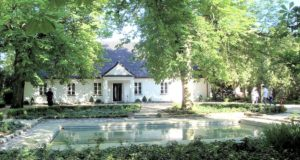 The Fryderyk Chopin birthplace museum in Żelazowa Wola • original photo © Zbigniew Rutkowski (CC BY-SA 3.0)